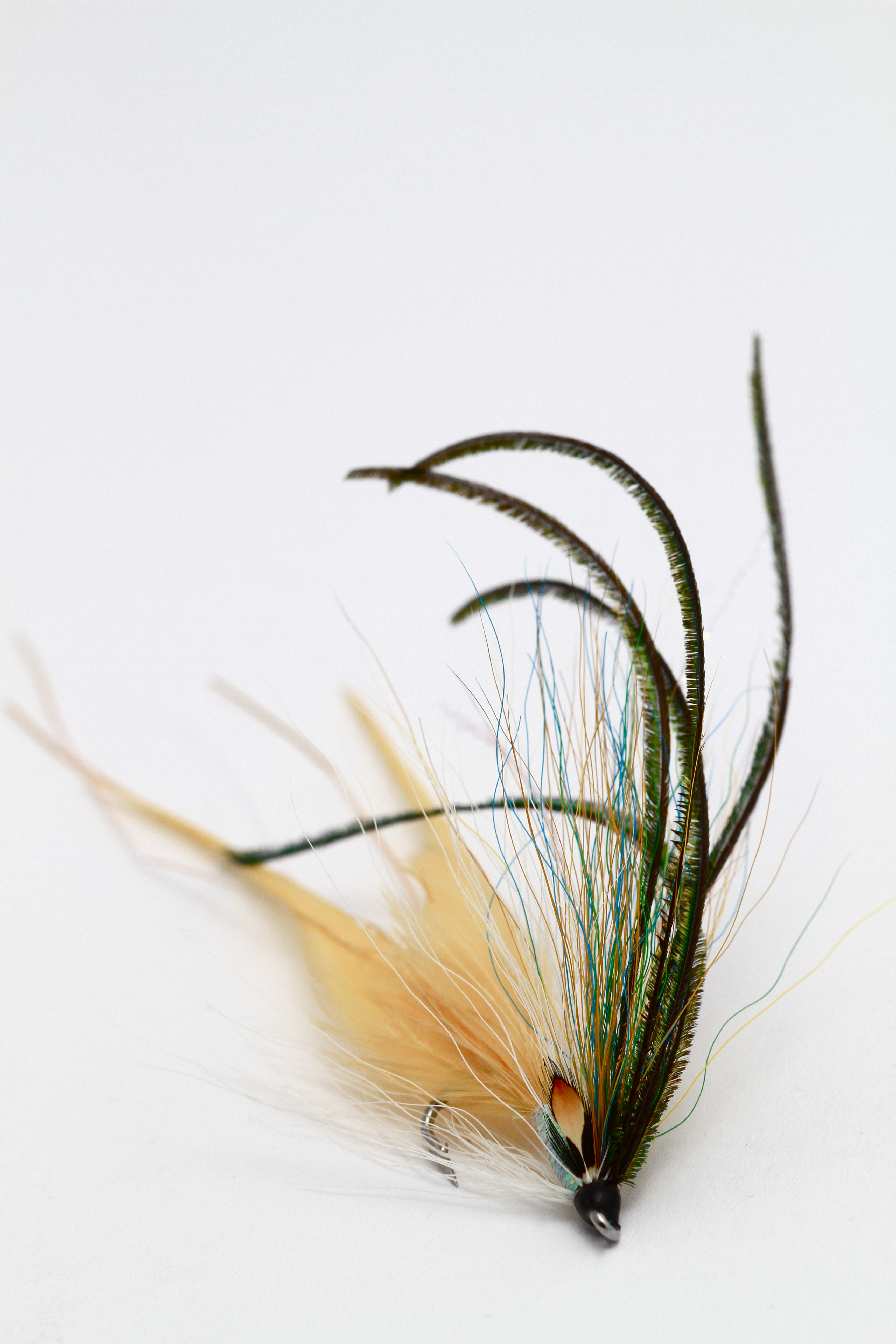 This sea trout flat wing variant is a sure winner and an attractor of larger fish.