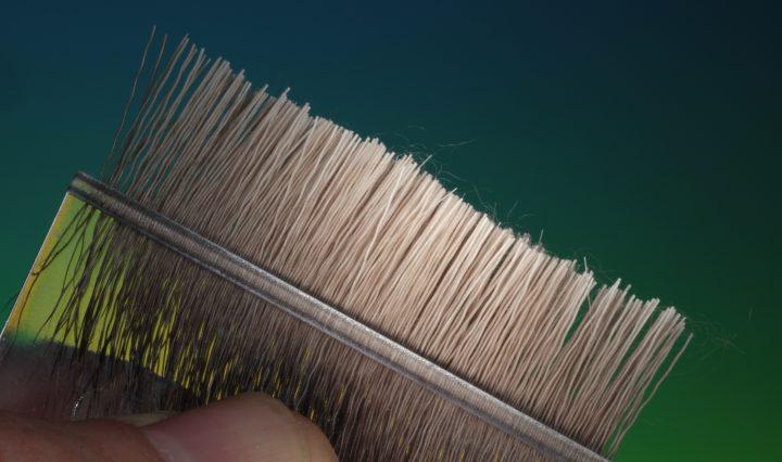 fly tying Spinning deer hair in a dubbing loop