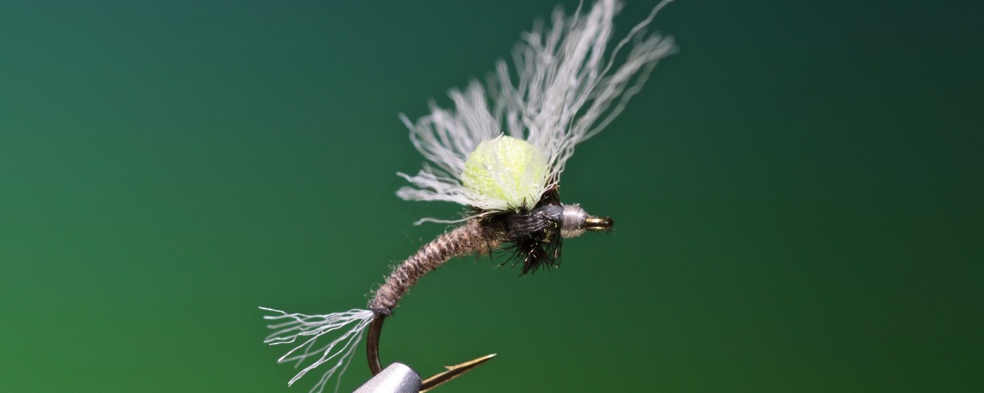 fly tying Clarke's No Hackle Emerger